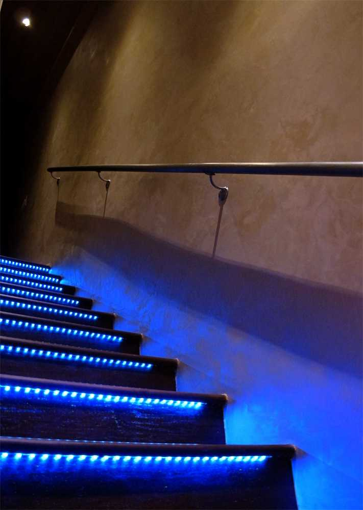 Blue LED night lights for stairs